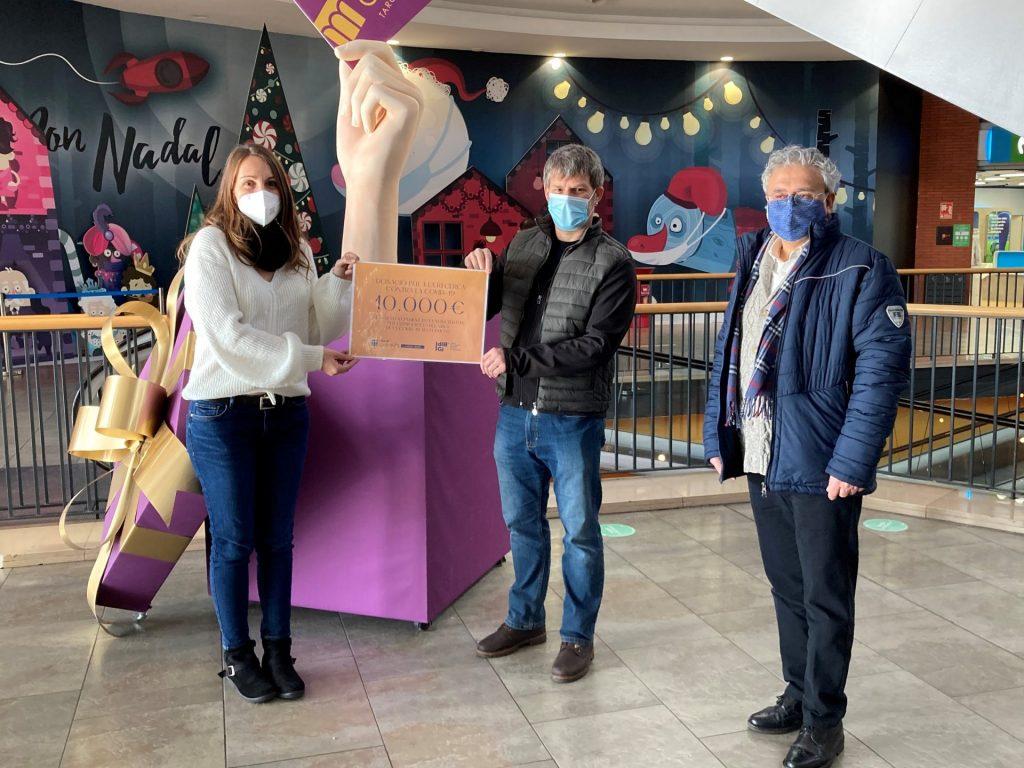 L'Espai Gironès dona 10.000€ de la campanya solidària a l'IDIBGI per lluitar contra la Covid-19